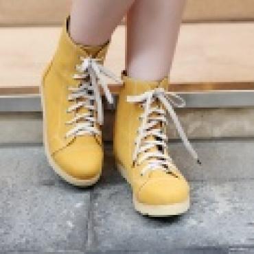 Comfortable stylish plus size shoes women lace up boots