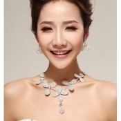 Elegant Flattery Flowers Shaped Crystal Jewelry Se