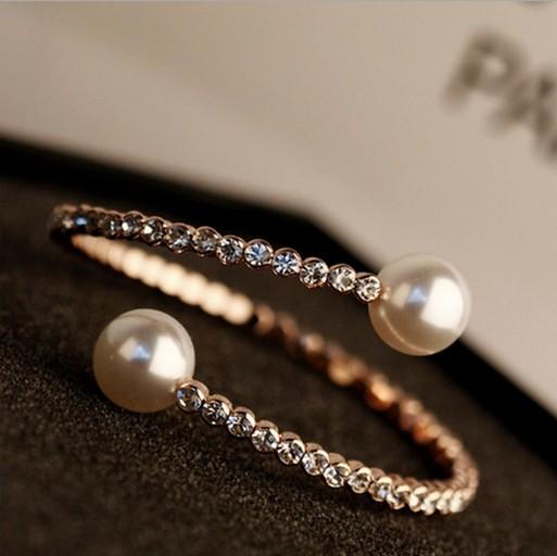 Fashion Clover Pearl Metal Bracelet