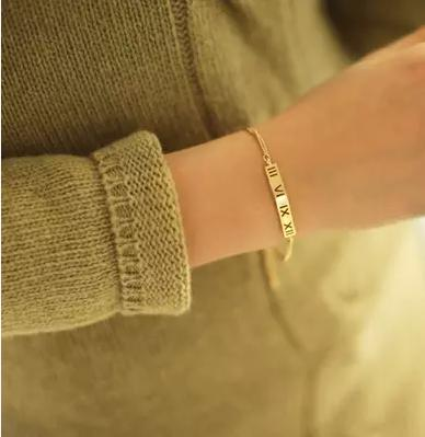 Cheap Fashion Golden Hollow-out Desgin Metal Bracelet