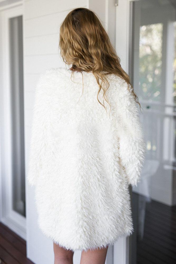 Fashion Long Sleeves White Lambswool Regular Coat