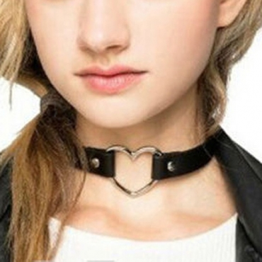 Trendy Heart-shaped Hollow-out Black Metal Choker