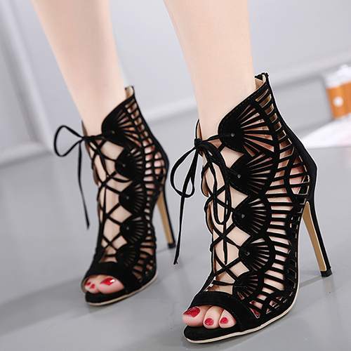 Elegante ronda Peep Toe Hollow-out Stiletto Super High Negro Suede Cross Strap Sandalias