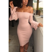 Elegante rocío hombro mangas largas Falbala diseño rosa poliester vaina rodilla vestido de longitud