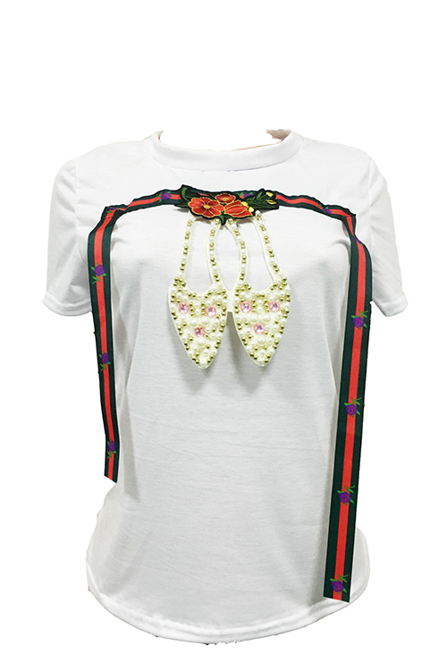 Lazer Rodada Pescoço Manga Curta Decoração De Pérola Misturas De Algodão Branco T-camisa