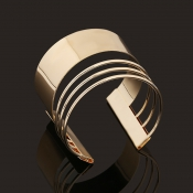 Fashion Hollow-out Gold Metal Bracelet