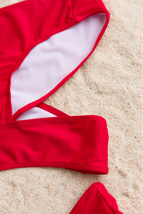 Милые Сексуальные Вырезанные Красные Полиэфирные Двухкомпонентные Купальники