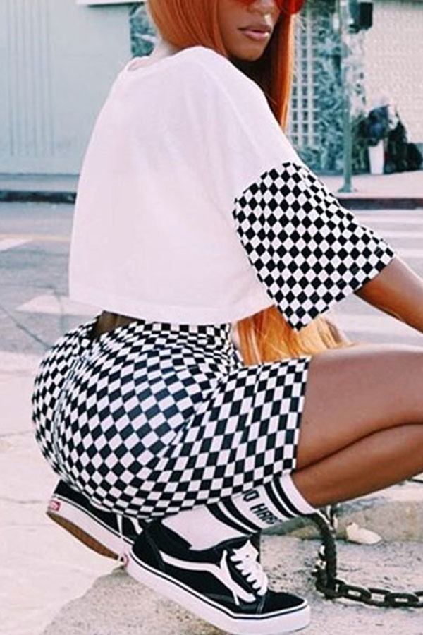 LovelyLeisure Round Neck Short Sleeves Printed Qmilch Two-piece Shorts Set