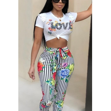 Lovely Leisure Round Neck Letter+Floral Printed White Cotton Blends T-shirt