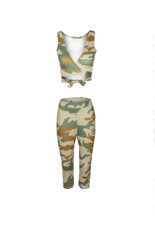 Lovely Fashion V Neck Camo Two-piece Shorts Set