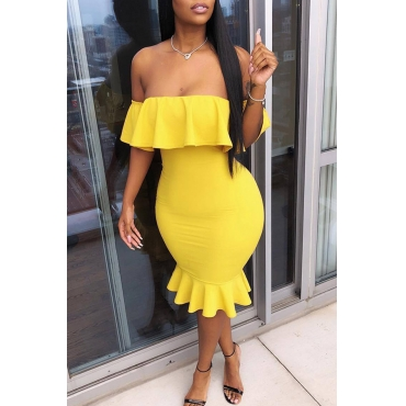 Lovely Fashion Dew Shoulder Yellow Twilled Satin Knee Length Dress