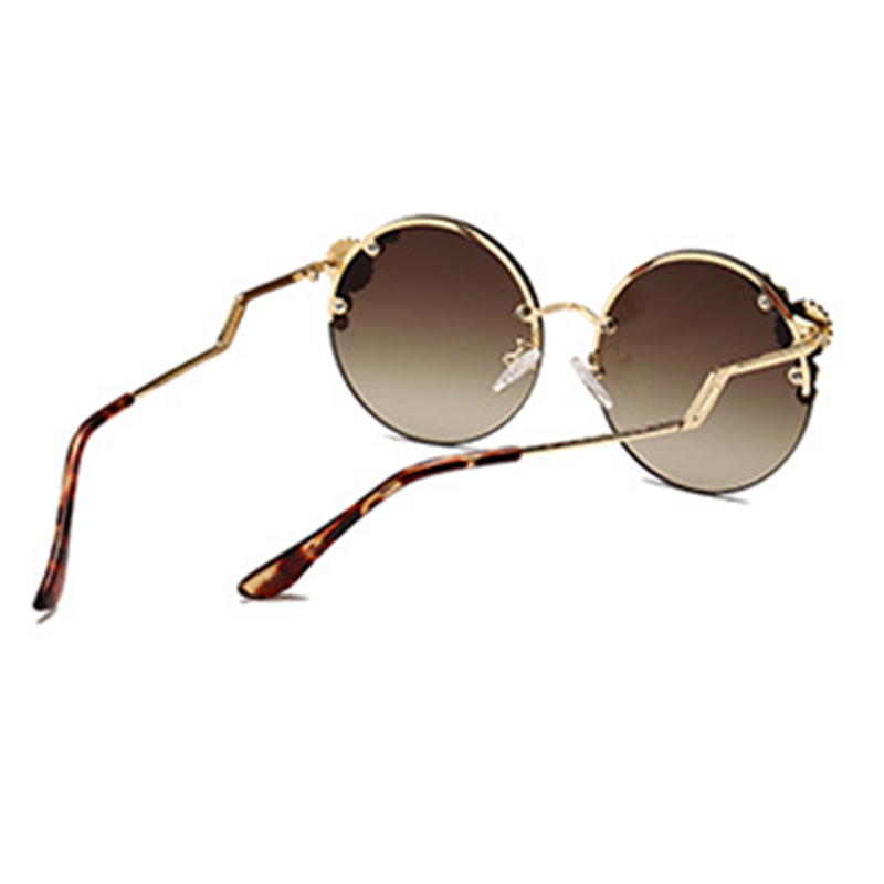 Lovely Vintage Style Round  Gold Sunglasses