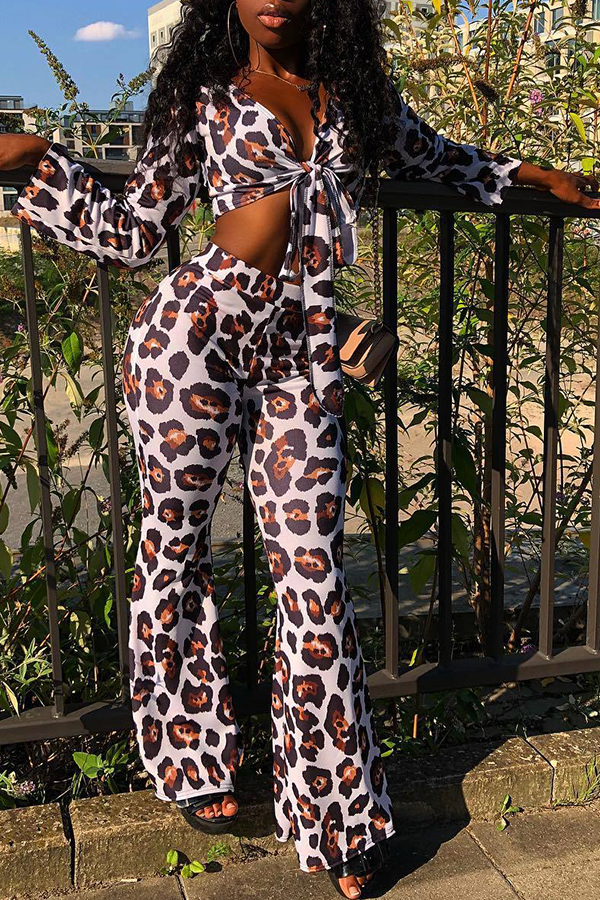 Lovely Chic Leopard Printed White Two-piece Pants Set