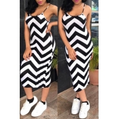 Lovely Casual Striped Black And White Knitting Mid