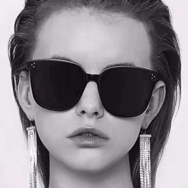 Lovely Chic Black PC Sunglasses