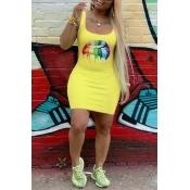 Lovely Casual U Neck Lip Printed Yellow Mini Dress