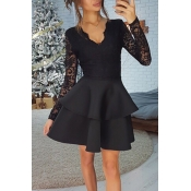 Lovely Stylish V Neck Lace Trim Patchwork Black Mi