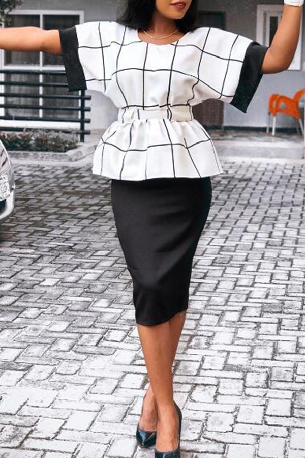 Lovely Leisure Grid Printed White Two-piece Skirt Set