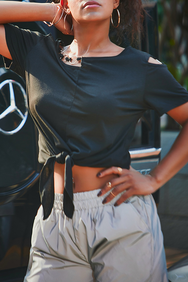Lovely Casual Knot Design Black T-shirt