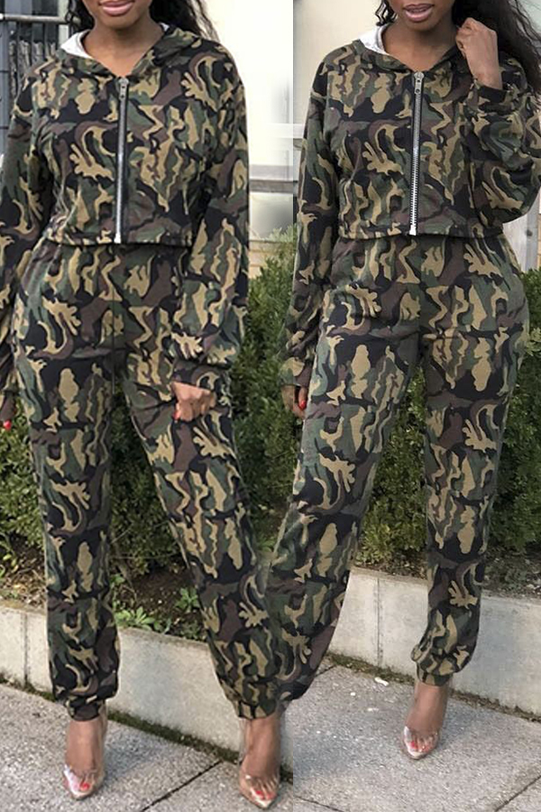 Lovely Street Hooded Collar Camouflage Printed Two-piece Pants Set