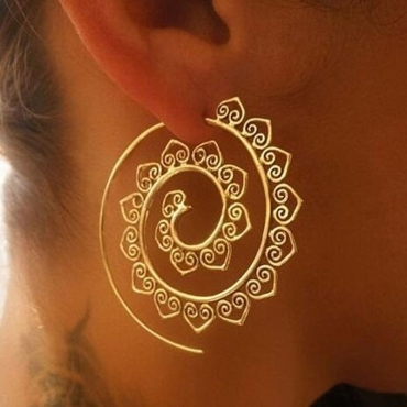 Lovely Chic Gold Earring