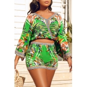 Lovely Chic V Neck Print Green Two-piece Shorts Se