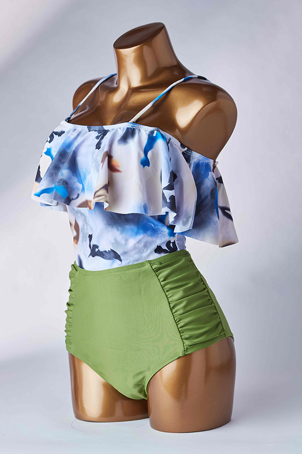 Lovely Flounce Design Green Bathing Suit Two-piece Swimsuit