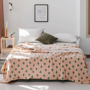 Lovely Cosy Print Pink Blanket