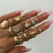 Lovely Stylish 15-piece Gold Ring