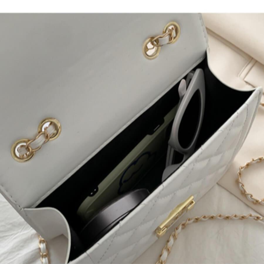 Lovely Stylish Chain Strap White Messenger Bag
