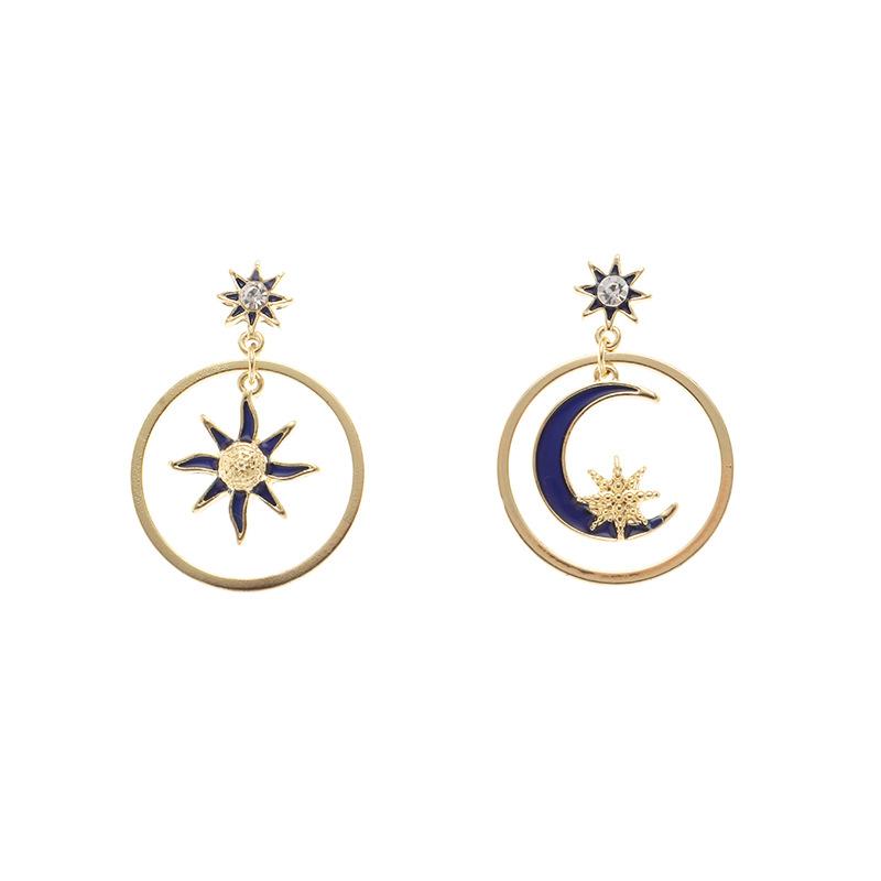 lovely Stylish Star Moon Gold Earring