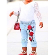 Lovely Casual V Neck Lace Patchwork White Girl Two-piece Pants Set