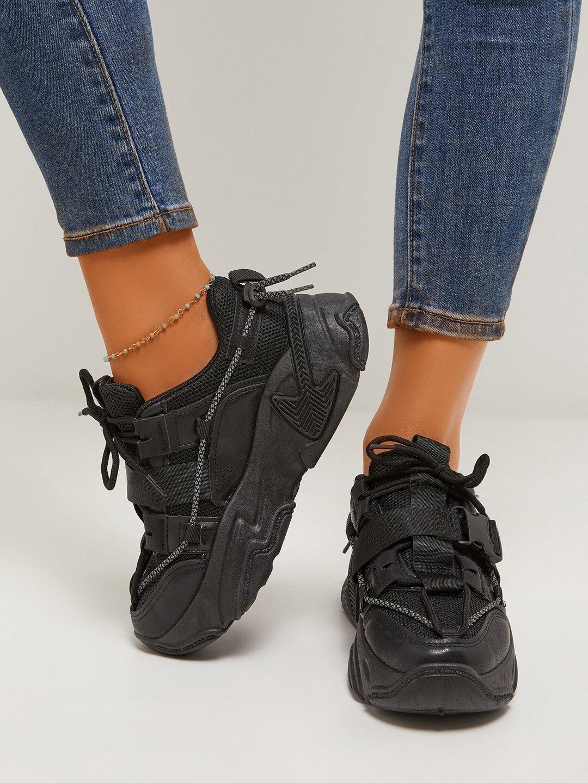 LW Mesh Patchwork Buckle Design Sneakers