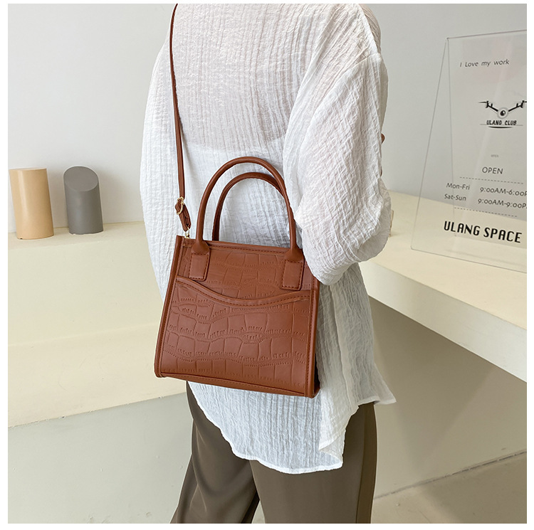 LW Simple Quilted Decor Messenger Bags
